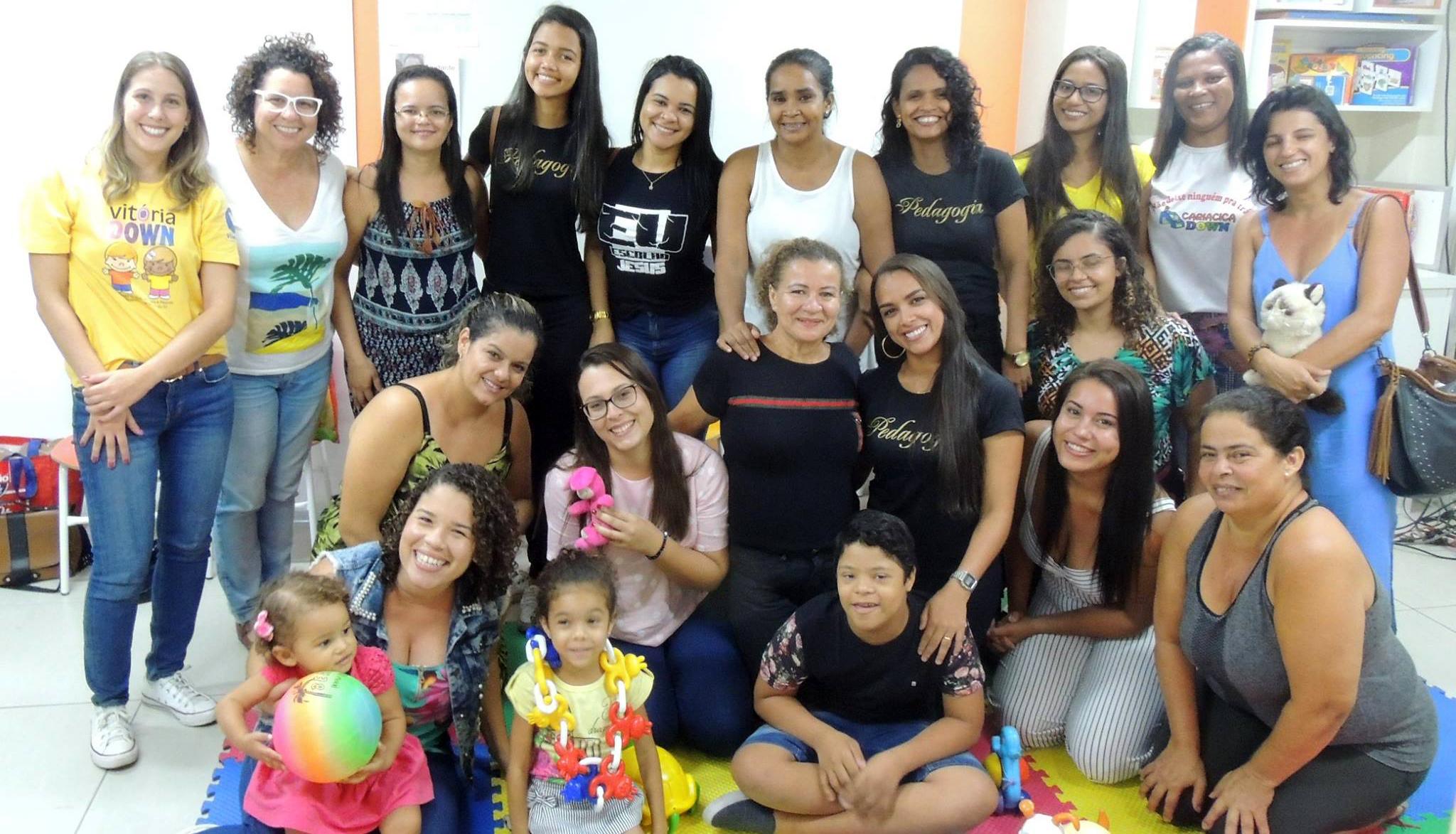 Turma de Pedagogia da Doctum Serra realiza Contação de Histórias na Associação Vitória Down