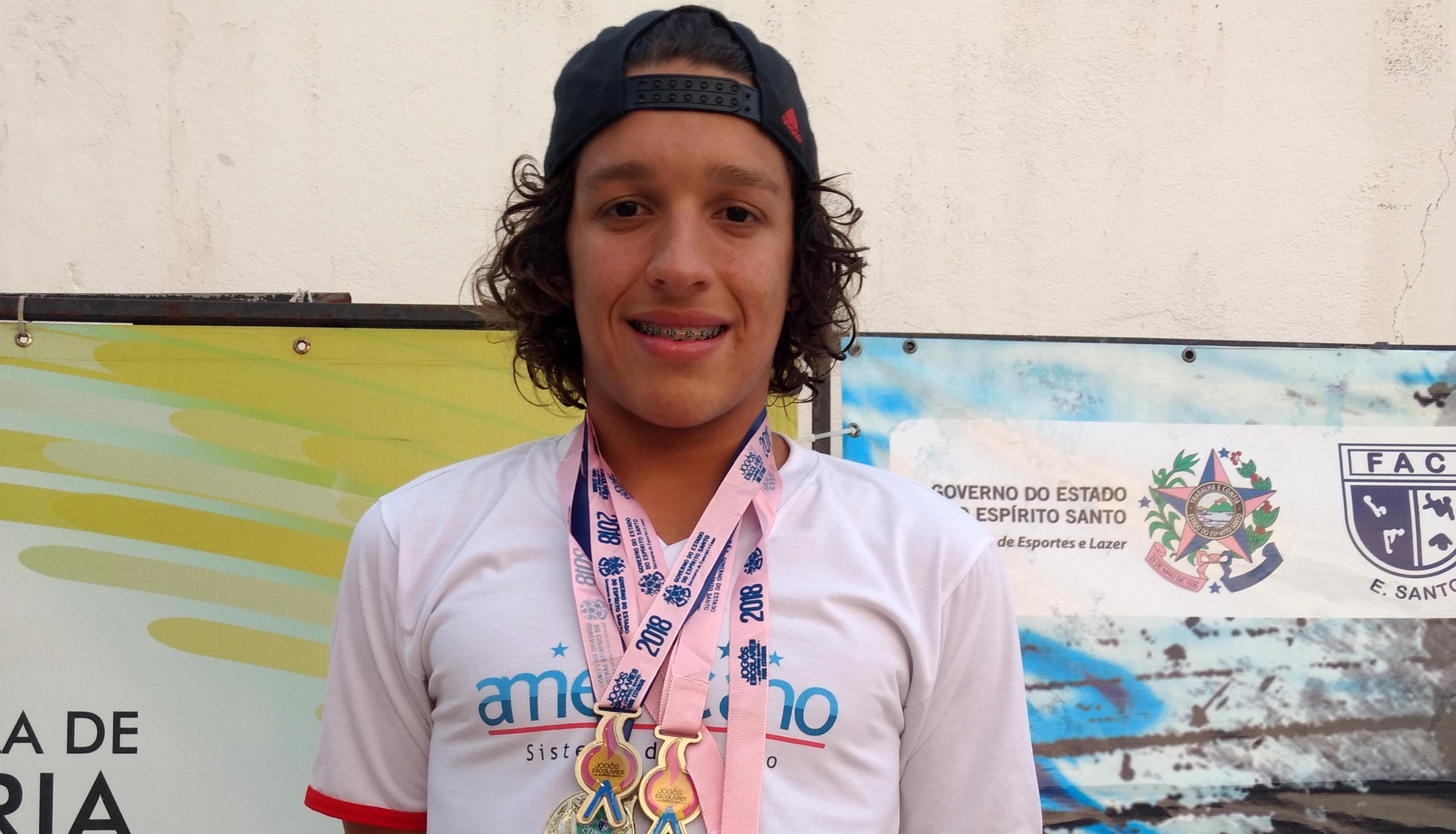 Aluno de Vila Velha conquista provas da Seletiva Esportiva de Natação no ES