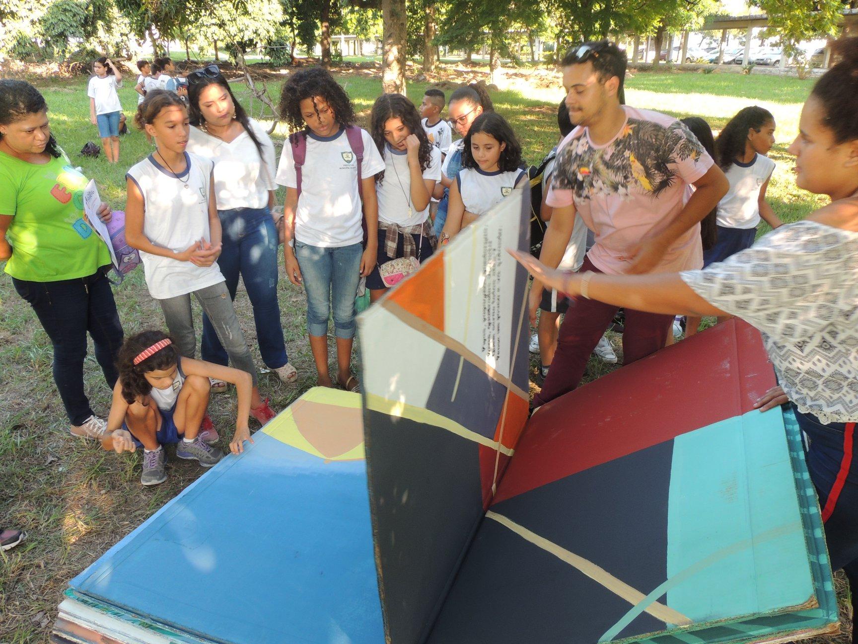 Projeto Livros Gigantes é reconhecido em evento internacional realizado em Portugal