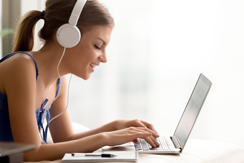Educação a distância é opção para quem deseja estudar com flexibilidade