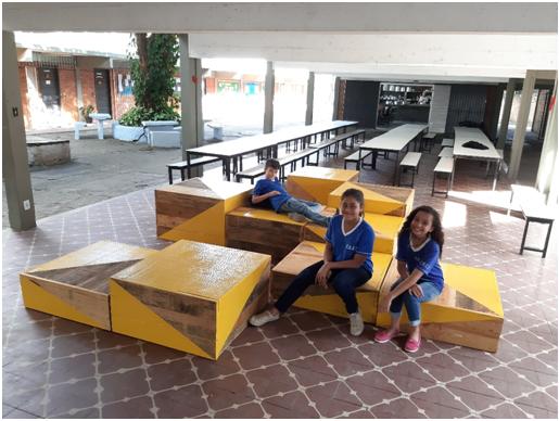 Alunos de Arquitetura e Urbanismo projetam mobiliário lúdico para escola pública