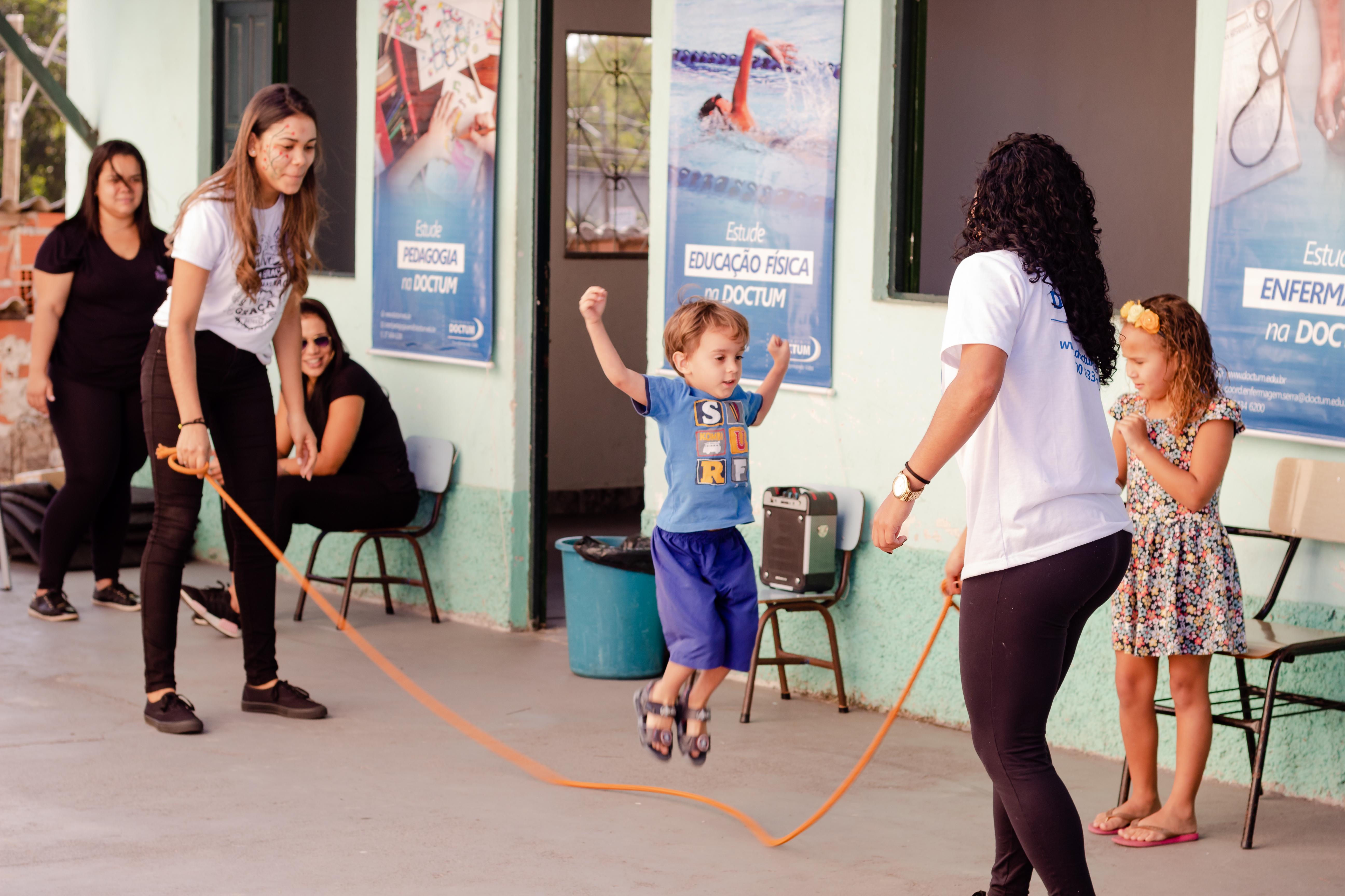 Rede de Ensino Doctum promove sábado de ação social  em Serra