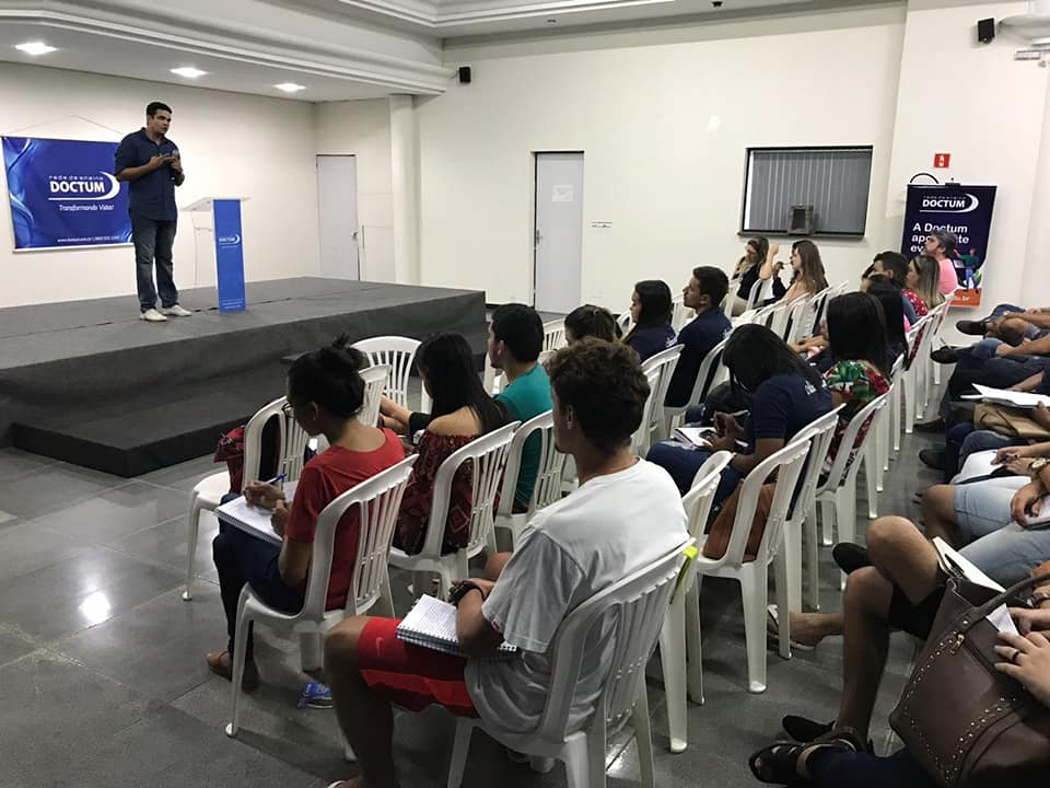 Palestra sobre Criptomoedas e Blockchain é realizada na Doctum Guarapari