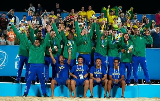Coordenador de Esportes da Rede de Ensino Doctum, Goleiro Mão, conquista o título mundial de Beach Soccer
