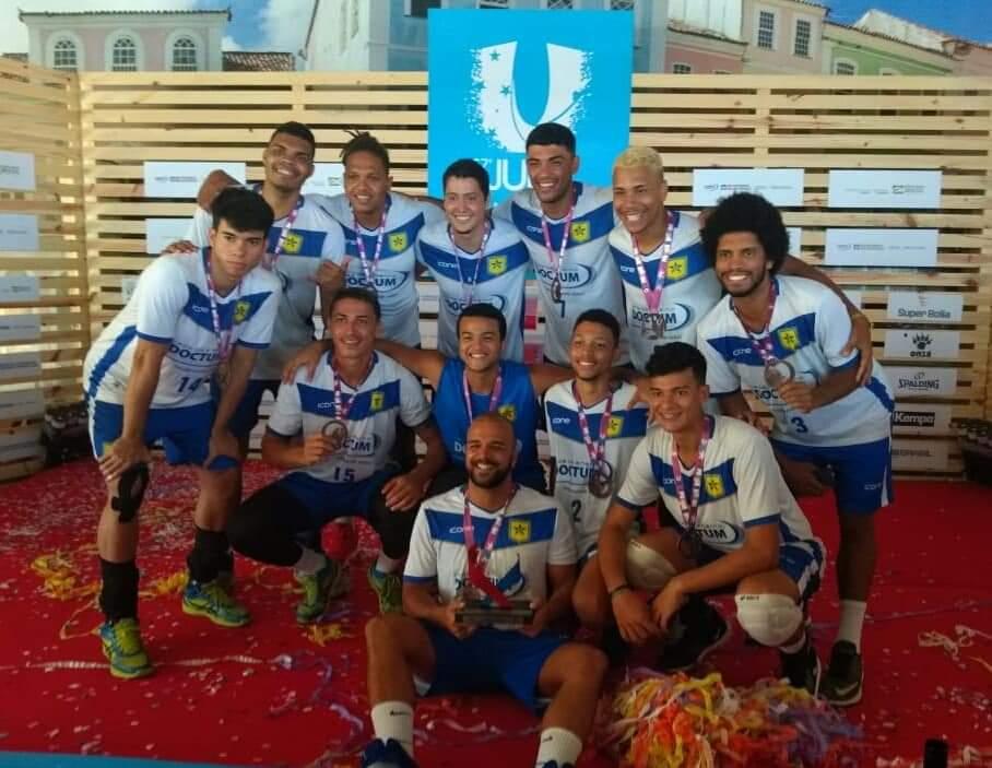 Equipe de voleibol da Doctum é medalhista nos Jogos Universitários Brasileiros 2019