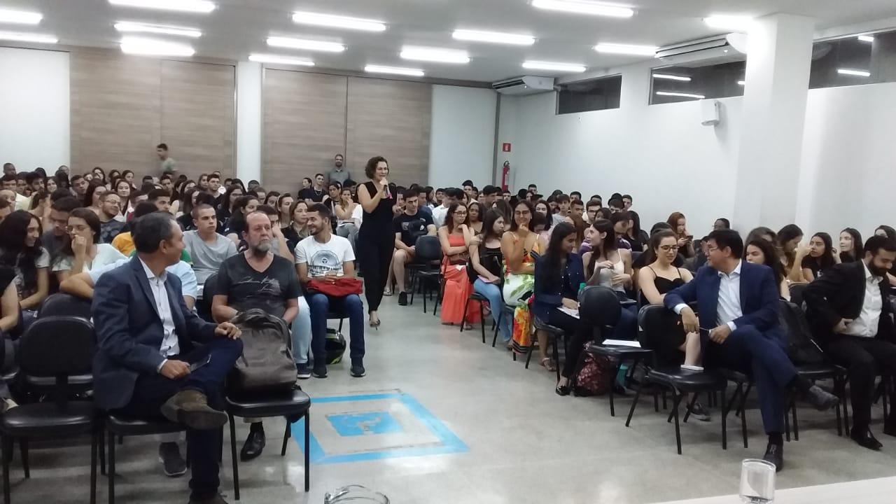 Alunos participam de Seminário acadêmico
