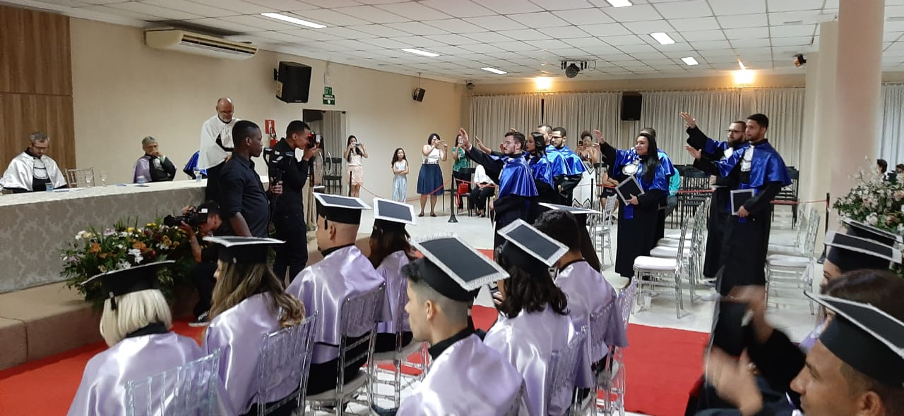 Unidades de Ipatinga e Leopoldina realizam cerimônias de colação
