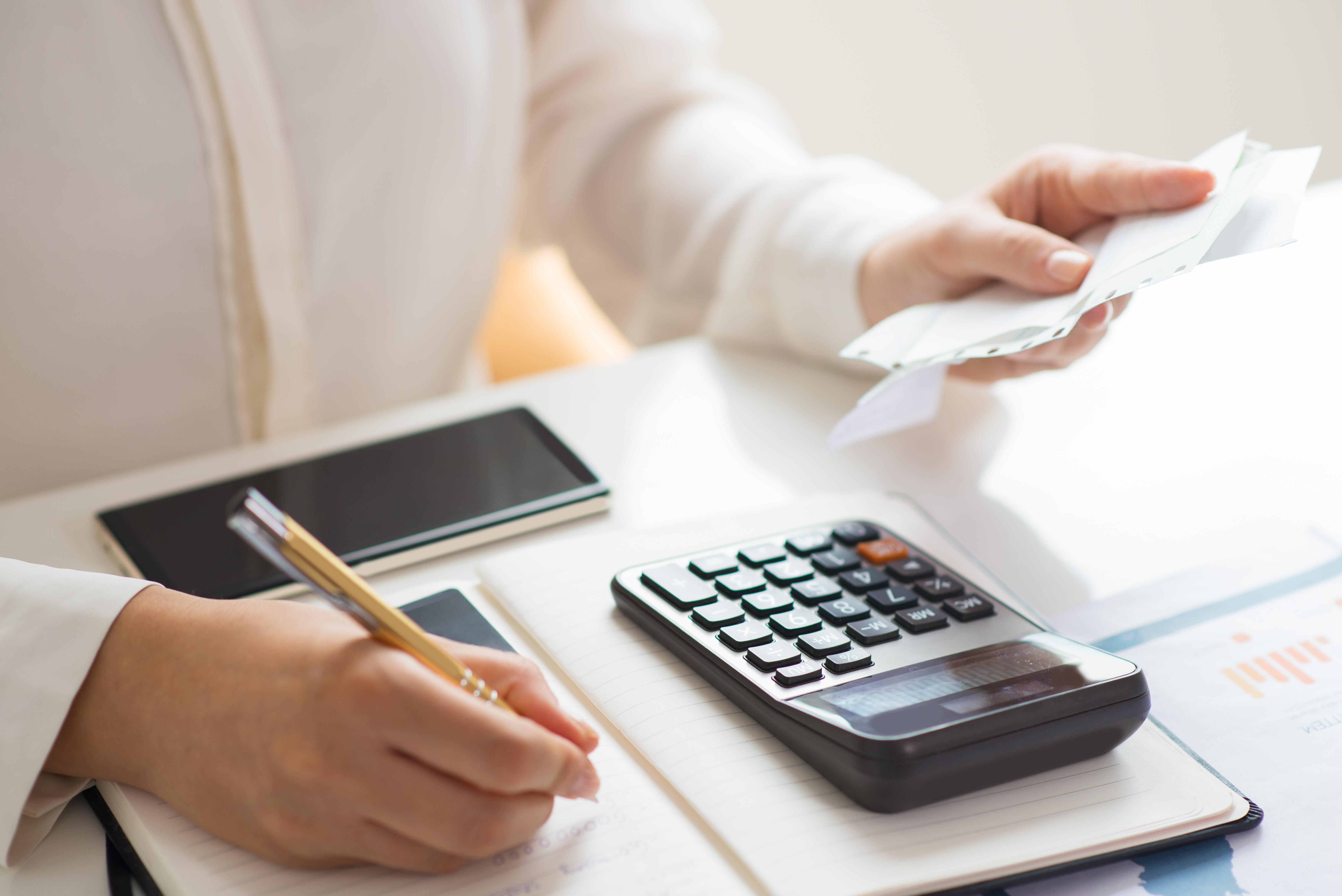 Docente da Doctum dá dicas sobre finanças pessoais durante a quarentena